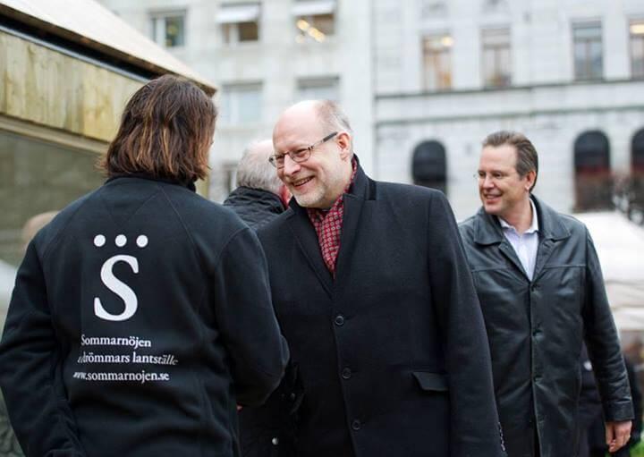 """Stefan Attefall och Anders Borg besöker det första """"Attefallshuset"""""""
